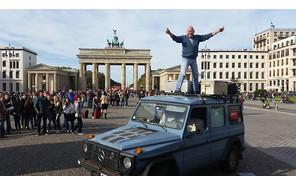 Немец закончил 26-летний вояж на Mercedes-Benz 300GD