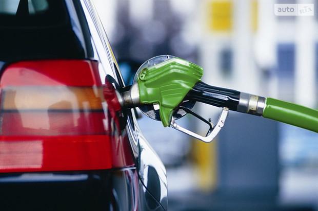 Цены на бензин: стоимость топлива идет на спад