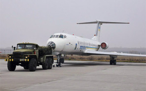 В ночь на субботу по Киеву поедет самолет