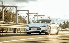 Тест-драйв: электромобиль Tesla Model S