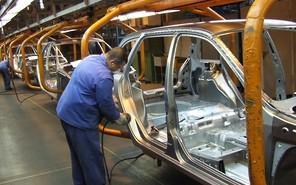 «АвтоВАЗ» увольняет больше 1000 сотрудников