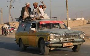 В Афганистане появилась первая женщина — водитель такси