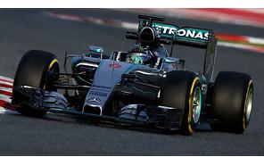 Темп Mercedes на последних тестах заставил босса Red Bull заговорить о депрессии