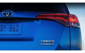 Кроссовер Toyota RAV4 станет гибридным