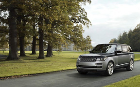 Объявлена цена на самый роскошный Range Rover SVAutobiography