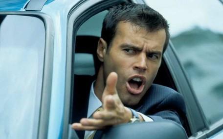Самые опасные и раздражающие привычки автомобилистов