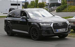 Заряженный кроссовер Audi SQ7 засветился без камуфляжа