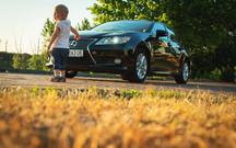 Литры счет любят: Тест-драйв Lexus ES 300h