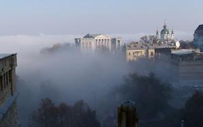 Власти Киева просят автомобилистов оставить машины дома
