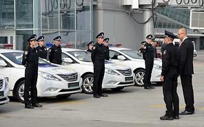 Полиция пересела на Hyundai Sonata и начала патрулировать Бориспольскую трассу