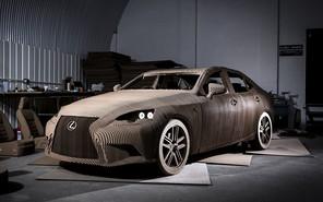 В Lexus создали картонную версию седана IS
