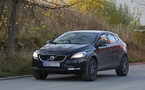 Volvo начала испытания кроссовера XC40