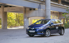 Тест-драйв Toyota Auris Hybrid: Мир перфекциониста
