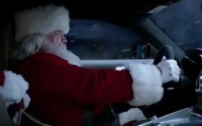 Видео месяца: На что Санта променял свои сани и что главное в погоне?