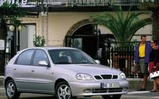 Daewoo Lanos и ВАЗ-2112: если не седан, то что?