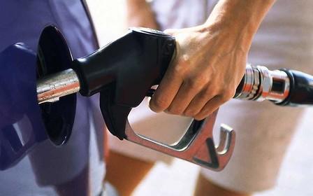 Налоговики «накрыли» сеть АЗС, которые продавали разбавленный бензин