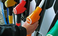 Между двух огней: Топливо станет дешевле или дороже?