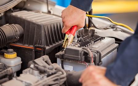 Готовим автомобиль к весне: Проверяем аккумулятор и лампы