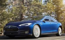 Видео: Водитель беспилотного Tesla Model S спит за рулем