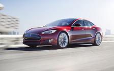 Автомобили Tesla «накатали» на автопилоте 160 миллионов километров