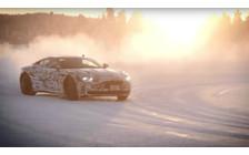 Видео: Скользящий на льду Aston Martin DB11