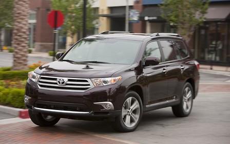 Toyota Highlander против Toyota Venza: когда одной Camry мало