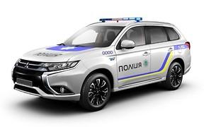 Украинских полицейских пересадят на гибридные кроссоверы Mitsubishi Outlander PHEV