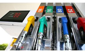 Жидкое золото: Продажи бензина в Украине упали на 5%
