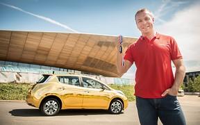 Золото за золото: Nissan подарит олимпийским чемпионам золотые электромобили Leaf