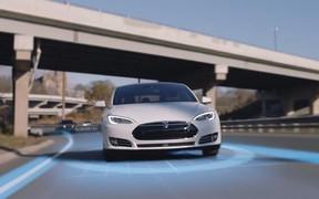 В США опубликовали первые результаты расследования смертельной аварии Tesla