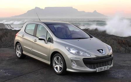 Peugeot 308 против Hyundai i30: Континентальная разница