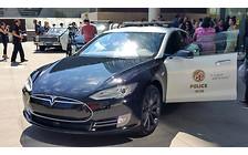 Видео: Электромобиль Tesla Model S собирается служить в полиции