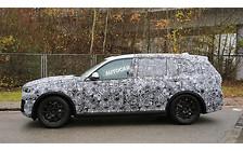 Первые фото: BMW X7 вышел на дороги