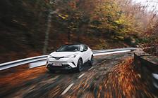 Тест-драйв Toyota C-HR