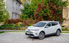 Тест-драйв Toyota RAV4 Hybrid: Небо и земля