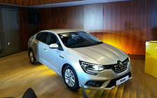 Наш формат: Седан Renault Megane представили в Украине