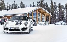 Porsche на льду: Поскользнуться может каждый