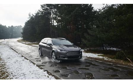 Ford составит перечень ям на дорогах