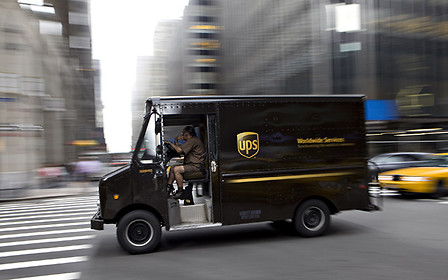 Почему грузовики UPS поворачивают только направо