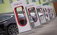 Tesla удвоит количество своих зарядных станций Supercharger