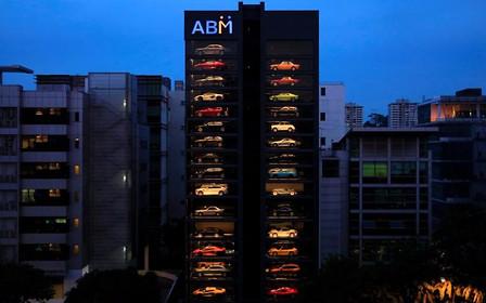 Видео: В Сингапуре открыли 15-этажный автомат по продаже б/у машин