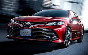 Ничего нового: Toyota показала японскую версию Camry