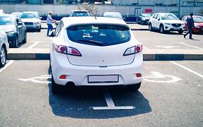 Вниманию водителей: изменены правила парковки и введены новые штрафы