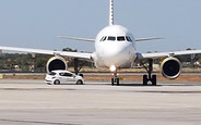 В Испании Peugeot 207 столкнулся с самолетом Airbus A320