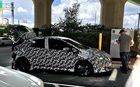 Nissan Leaf нового поколения презентуют 5 сентября