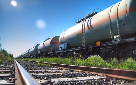 Бензин в крупных сетях подорожал на 50 коп. Автогаз медленно дешевеет