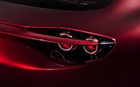 Mazda запатентовала антикрыло, которое прячется в фары