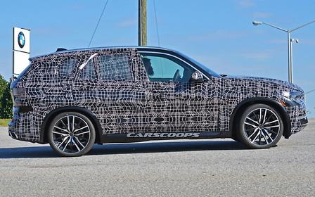 Следующее поколение BMW X5 сфотографировали в США