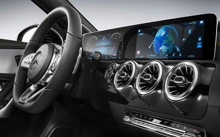 Mercedes-Benz A-Class нового поколения: что внутри?