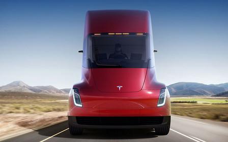 Грузовиком Tesla заинтересовался еще один крупный клиент